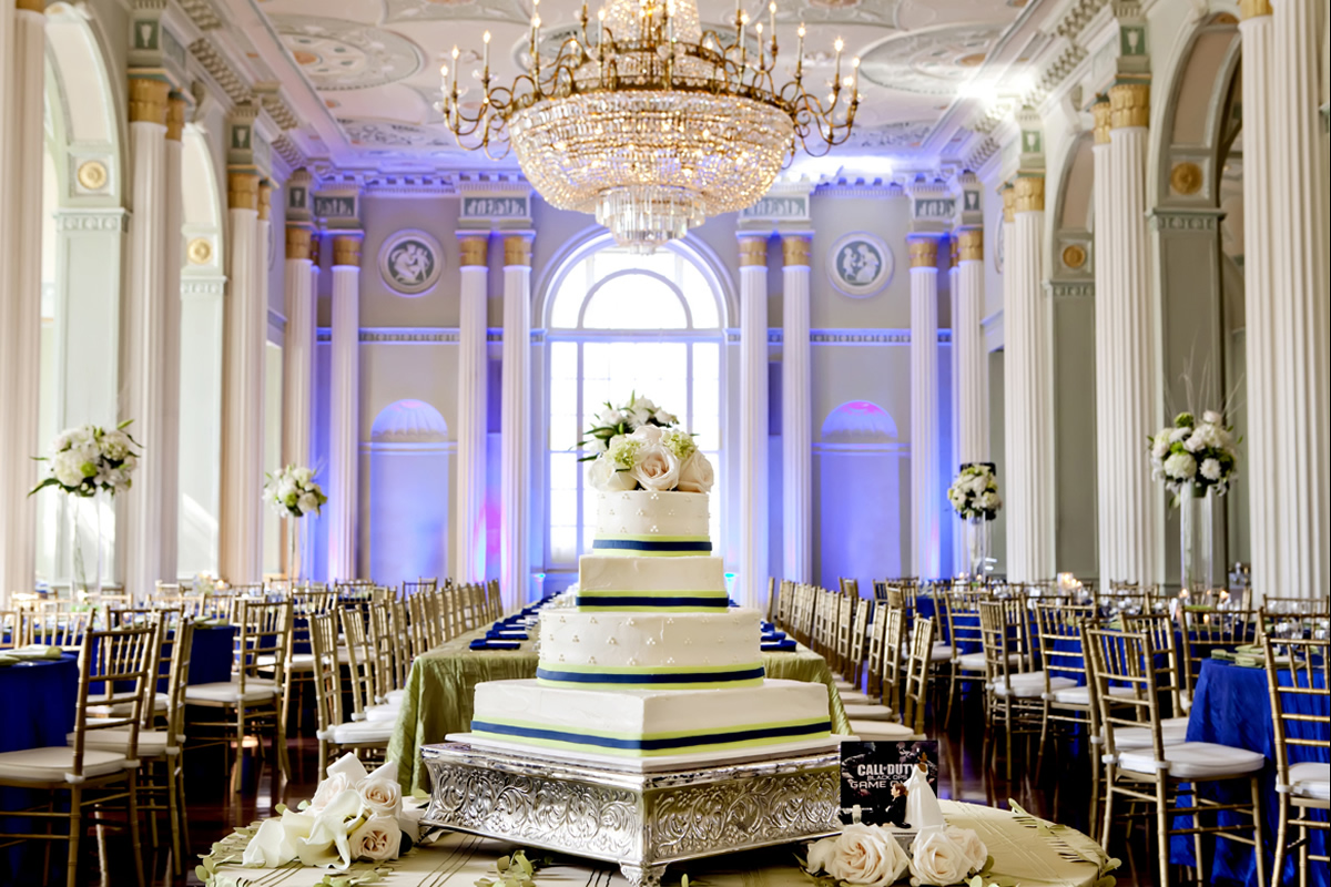 A wedding cake at The Biltmore Ballrooms. Photo: Milanés Photography